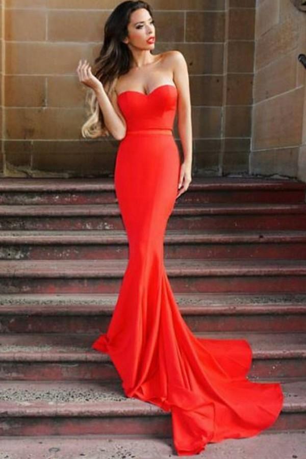 Arianna Red gown Elle Zeitoune